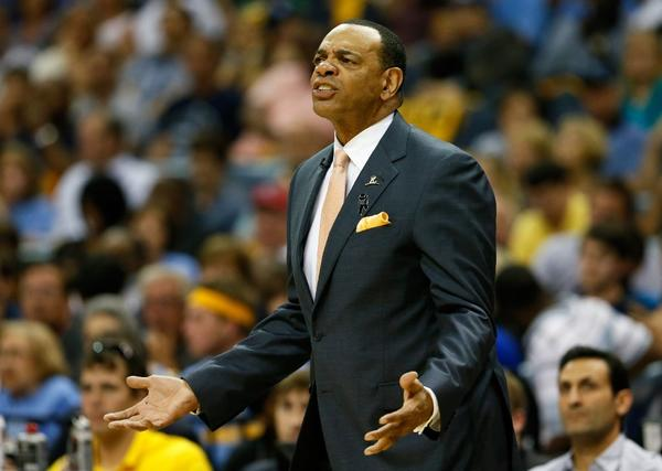 Lionel Hollins has a meeting scheduled Thursday with Clippers executives.