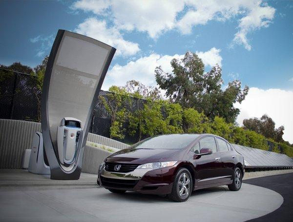 Honda's next-generation solar hydrogen station was ultimately intended for use as a home refueling appliance capable of an overnight refill of fuel cell electric vehicles, such as the Honda FCX Clarity.