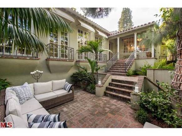 Jodie Foster puts her house up for sale