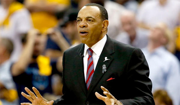 Former Memphis Grizzlies Coach Lionel Hollins impressed members of the Clippers' front office, according to several NBA executives who were not authorized to speak on the matter.