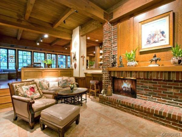 Beau Bridges' home back on the market