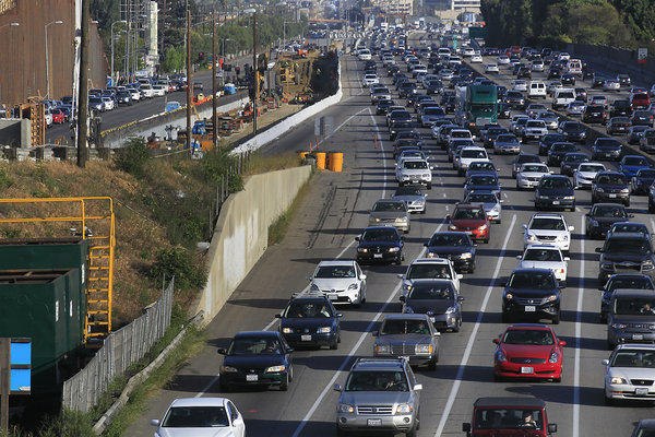 Traffic On 405 Freeway In Los Angeles, CA Editorial Photography ...