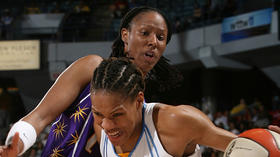Ex-WNBA player Holdsclaw pleads guilty to assault