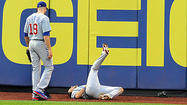 NEW YORK — The Cubs may have lost one of their best trading chips Friday when David DeJesus suffered a right shoulder sprain in a 6-3 victory over the Mets.