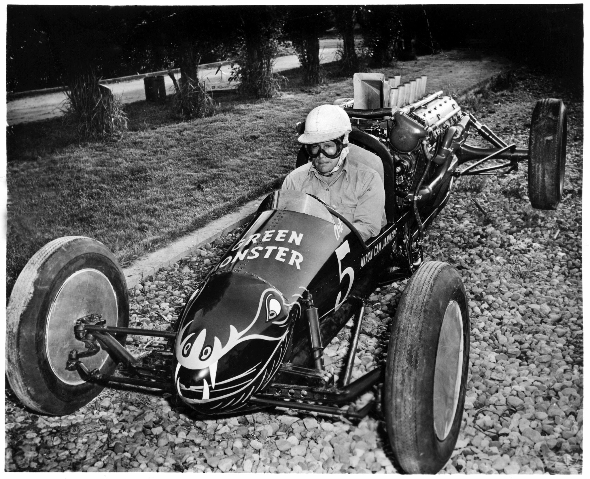 Walt Arfons named several of his dragsters Green Monster.