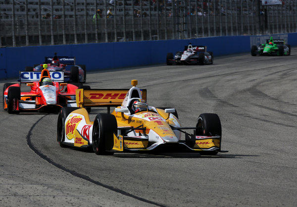 Ryan Hunter-Reay leads the pack during the Milwaukee IndyFest on Saturday.