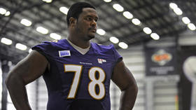A year makes big difference for Bryant McKinnie