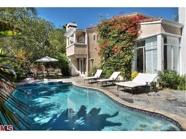 Singer Leona Lewis has parted with her Hollywood Hills West house.