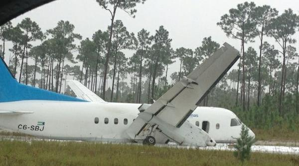 Nobody was seriously hurt when a twin-propeller plane with 21 passengers aboard skidded off the runway near Nassau, Bahamas, officials said.