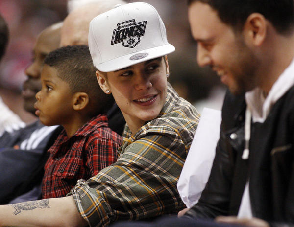 Pop star Justin Bieber is catching flak from neighbors.