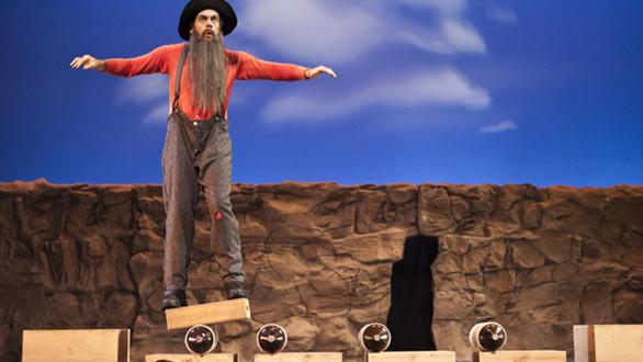 "Cirque Mechanics brings the ""Boom Town"" show to Knott's Berry Farm."