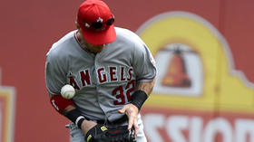 Angels' defense isn't exactly of Gold Glove material