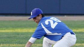 Burbank High baseball turns back La Cañada