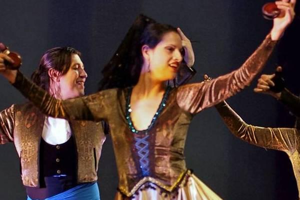Ensemble Espanol Spanish Dance Theater performs El Baile de Luis Alonso.