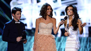 Miss Utah gets a second chance to answer that pesky question