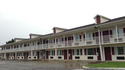 Danville's Country Hearth motel to close