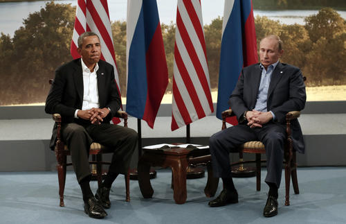 President Barack Obama (L) meets with Russian President Vladimir Putin during the G8 Summit at Lough Erne in Enniskillen,  Northern Ireland June 17, 2013.   REUTERS/Kevin Lamarque   (NORTHERN IRELAND - Tags: POLITICS TPX IMAGES OF THE DAY)