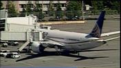 United Dreamliner diverted due to oil filter issue