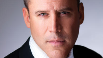 Best-selling author Vince Flynn dies of cancer at 47