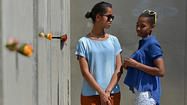Obama daughters' European vacation [Pictures]