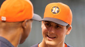Astros sign No. 1 overall pick Mark Appel