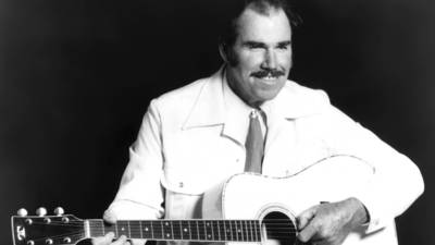 Slim Whitman dies at 90; TV sales gave country singer new fame