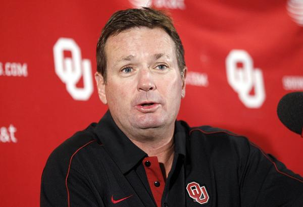 Oklahoma football Coach Bob Stoops had a car and other smaller items stolen from his home early Wednesday morning.