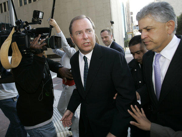 jeff skilling moral ceos Ex-enron ceo jeff skilling to leave prison early former enron ceo jeffrey skilling arrives at the bob casey federal courthouse for a resentencing hearing on june 21, 2013, in houston.