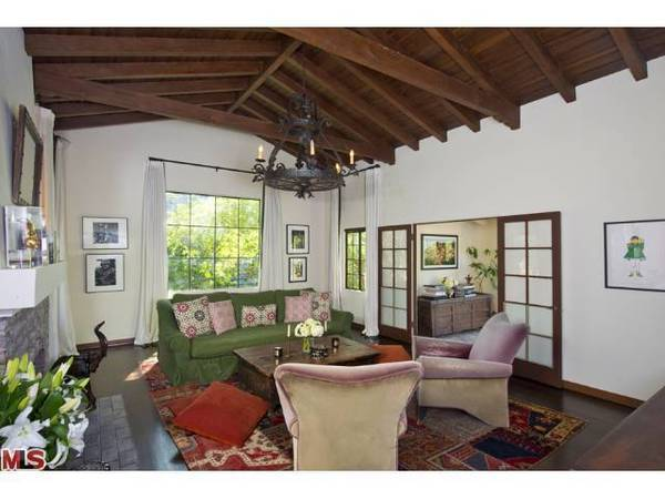 """Elementary"" star Jonny Lee Miller is looking for a buyer for a house he owns in the Hollywood Hills."