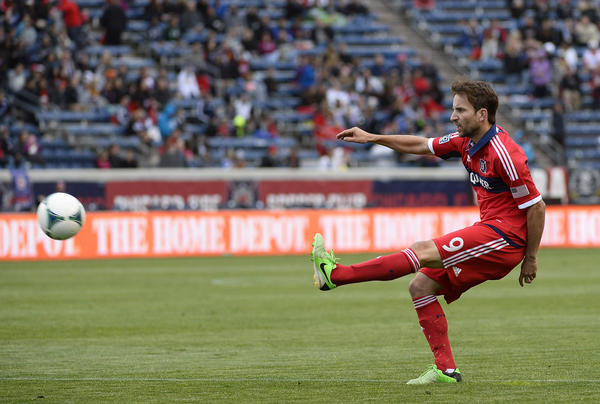 Mike Magee scores a goal against the D.C. United during the second half at Toyota Park.