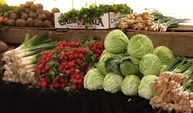 Fresh produce at a farmers market.