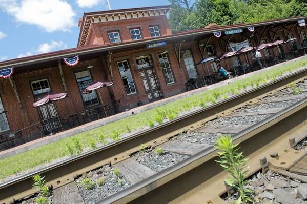 Vonz Restaurant opened inside the historic Tamaqua Railroad Station on Wednesday.