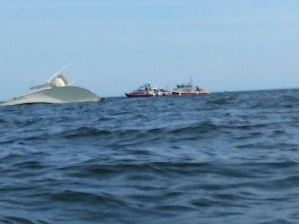 A 63-foot boat sank in Long Island Sound off of Harkness State Park in Waterford Saturday and the people on board were rescued by other boaters.