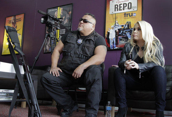 "U.S. advertising spending was flat during the first quarter, although Latin media outlets experienced 15% growth. Pictured: Roman Morales III and Monique Covarrubias on Telemundo's ""Fugitivos de la Ley, Los Angeles,"" about bounty hunters in LA."
