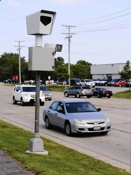 Highland Park has one intersection with red-light cameras to enforce traffic violations — at the westbound and southbound approaches of Park Avenue West and U.S. Route 41.