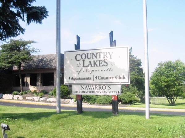Country Lakes on Naperville's northwest side includes a golf course and land zoned for residential use.