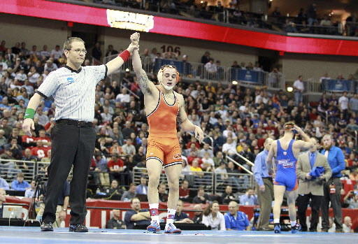 Easton's Jordan Oliver wins his second NCAA title.