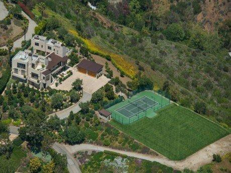 Home seller Deanna Staats listed her six-acre spread in Malibu for a buck more than $35 million.