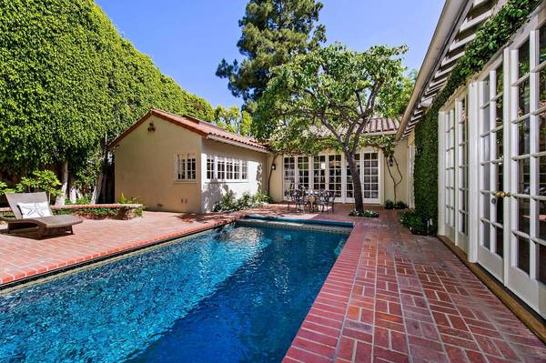Actress Jodie Foster has listed her home in Los Angeles, California, for sale at $6.399 million.