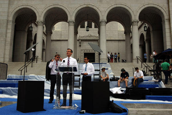 Mayor-elect Eric Garcetti practices his speech Sunday before being sworn in.
