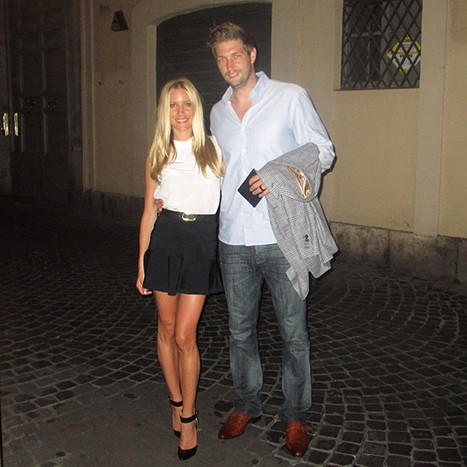Cavallari Tweets Photo From Honeymoon With Cutler