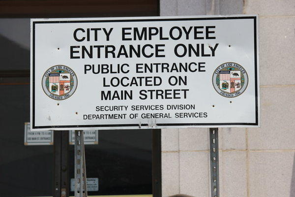 This sign blocks the Second Street entrance to City Hall. A similar sign was removed -- perhaps temporarily -- from the Spring Street entrance.