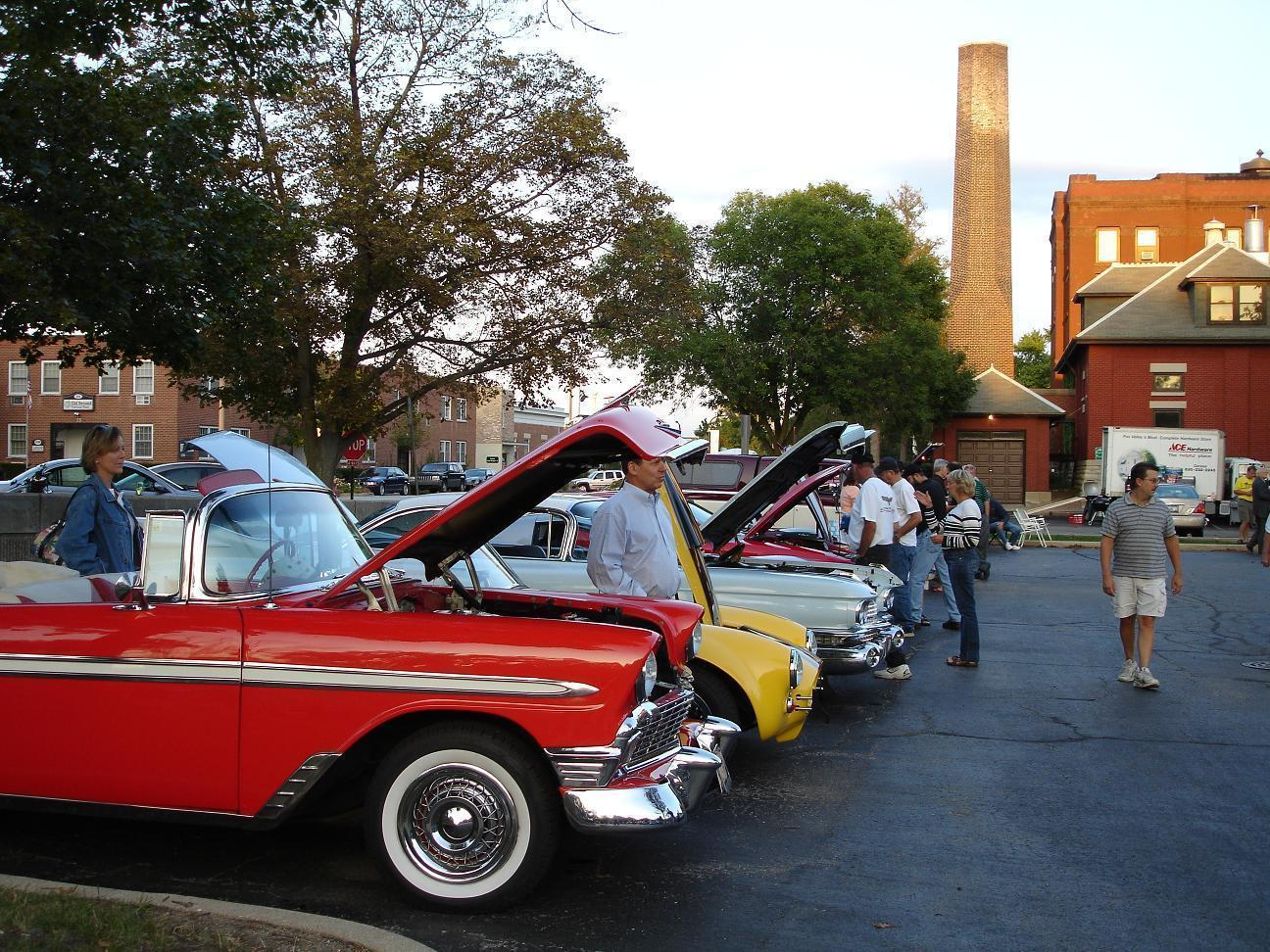 Weekly Car Show Fills Out Thursday Nights In Geneva Chicago Tribune - Weekly car shows near me