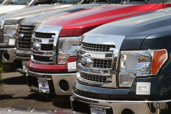 US Auto Sales Rise In May On Demand For Trucks, SUV's