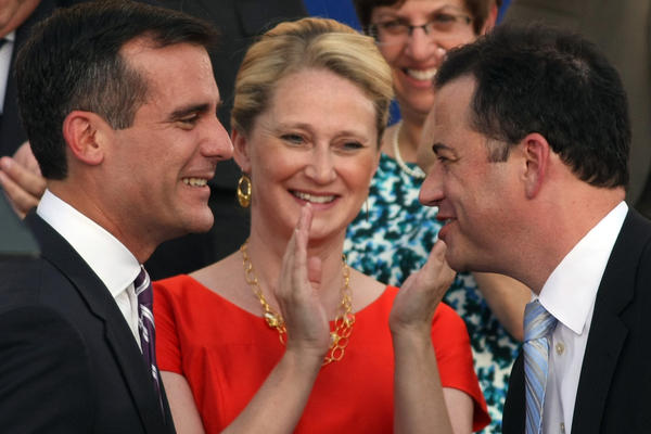 Jimmy Kimmel congratulates Mayor Eric Garcetti