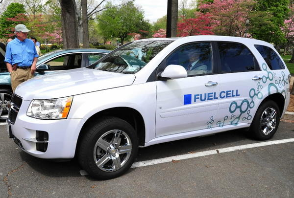 A Chevrolet hydrogen-powered Equinox fuel-cell vehicle rolls out for a test drive.