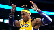 Lakers' pitch to Dwight Howard open to second-guessing