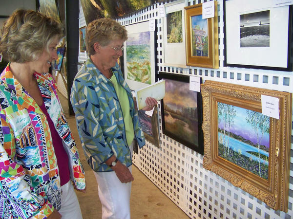 Guests at D'Art for Art will leave with an original work of art created by artists of local, regional or national acclaim.
