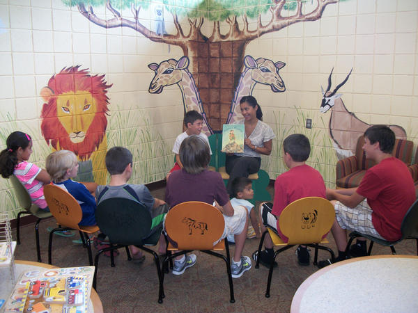 Suelyn Rivera hosts Storytime Connection at the Carroll County Public Library.