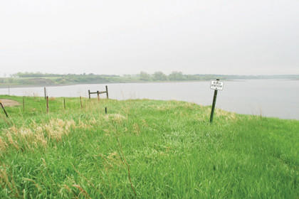 Willow Creek Lake is just south of state Highway 10, about 4 miles west of U.S. Highway 281. By car, the lake is about 22 miles northwest of Aberdeen.